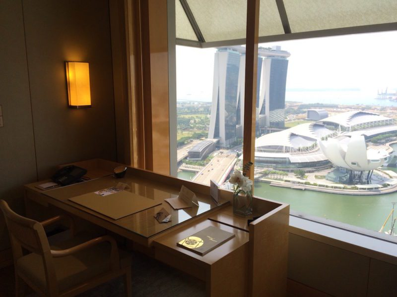 Club Premier Suite with a Marina Bay view, Corner room at The Ritz-Carlton, Millenia Singapore