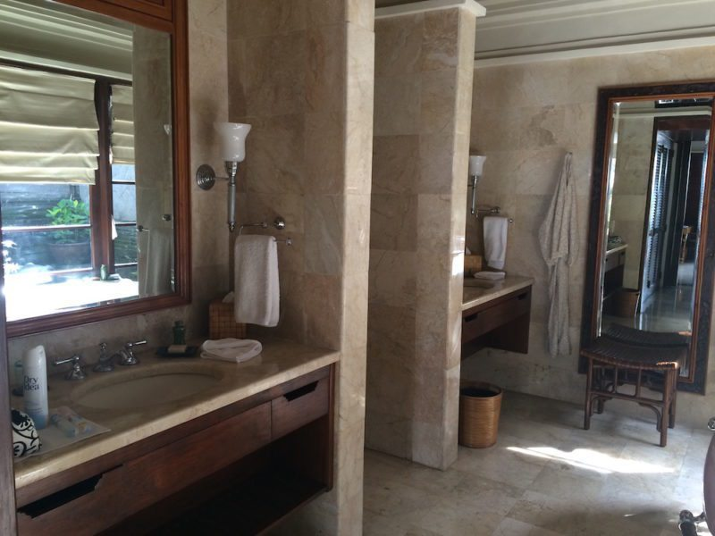Bathroom of the One Bedroom Villa at Four Seasons Jimbaran Bali