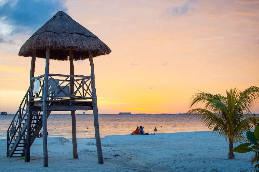 Mujeres Island