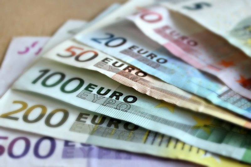 Managing your money when abroad