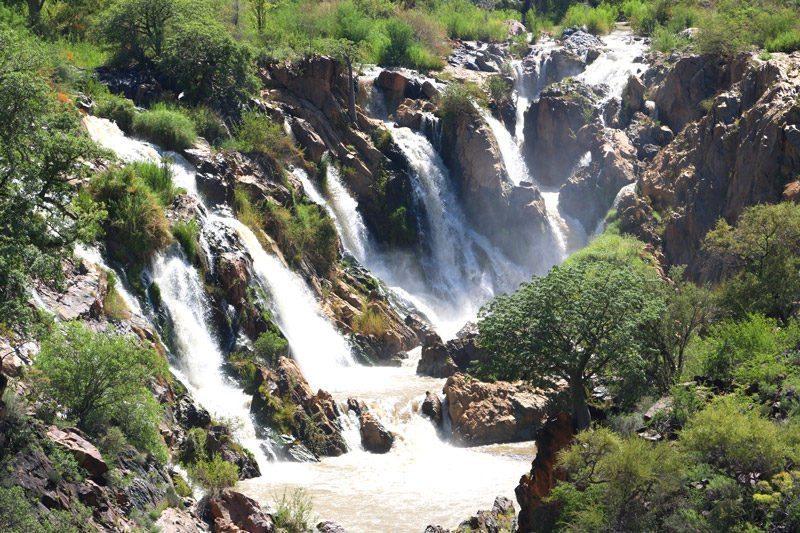 Budget travel Namibia Epupa Falls