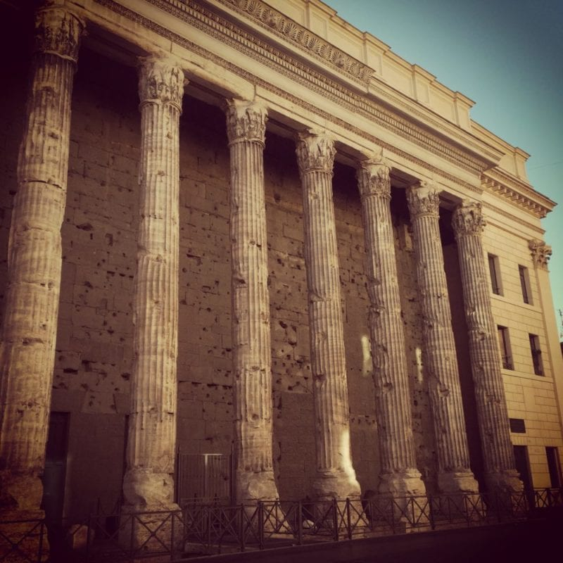 Tempio di Adriano - Things to do in Rome