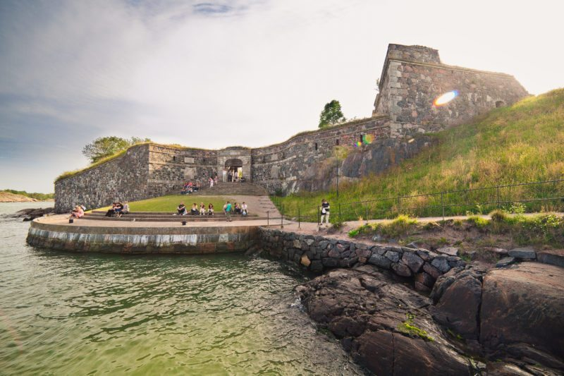 Sail to the Suomenlinna fortress