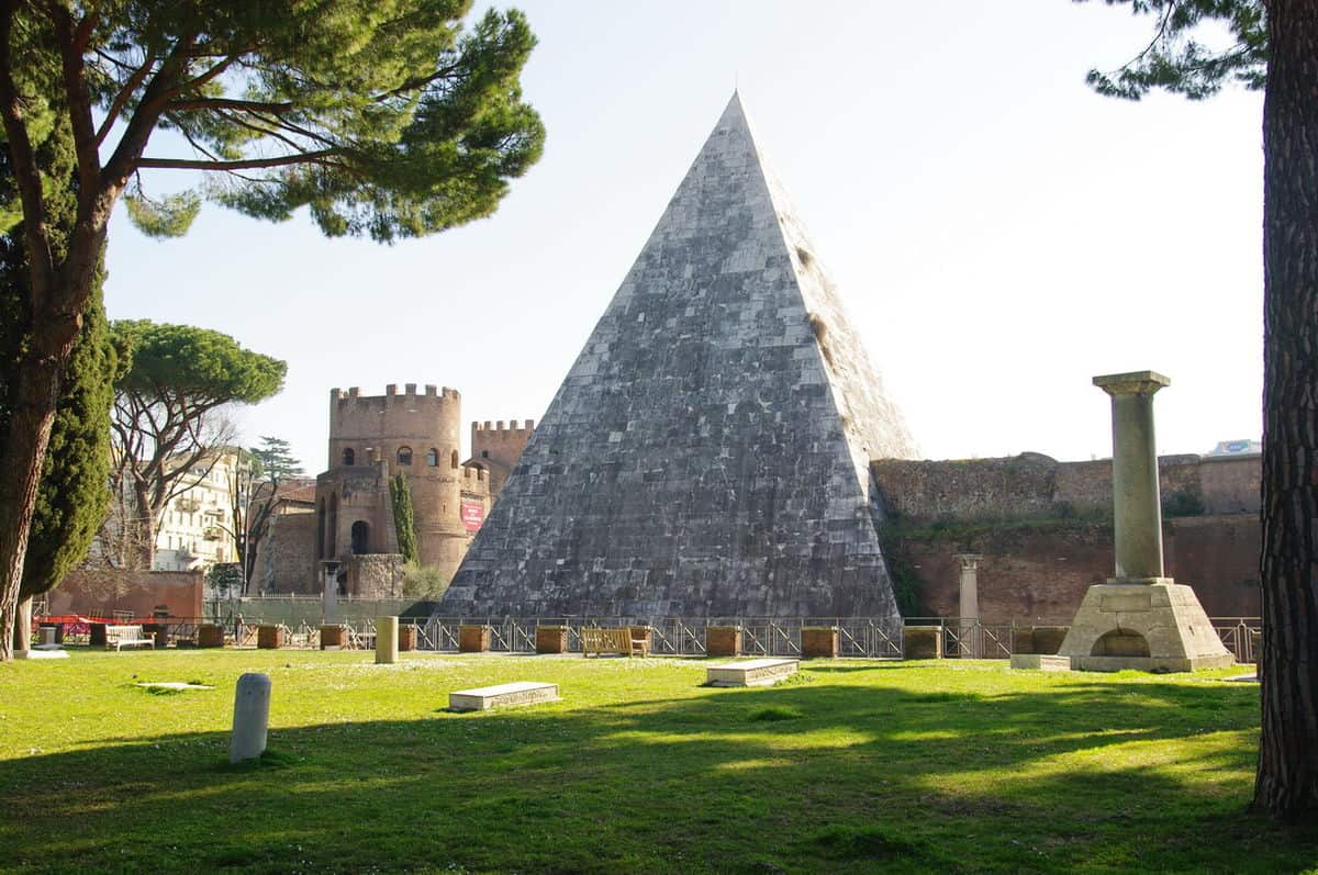 Protestant Cemetery of Rome and the Pyramid of Cestius - Things to do in Rome