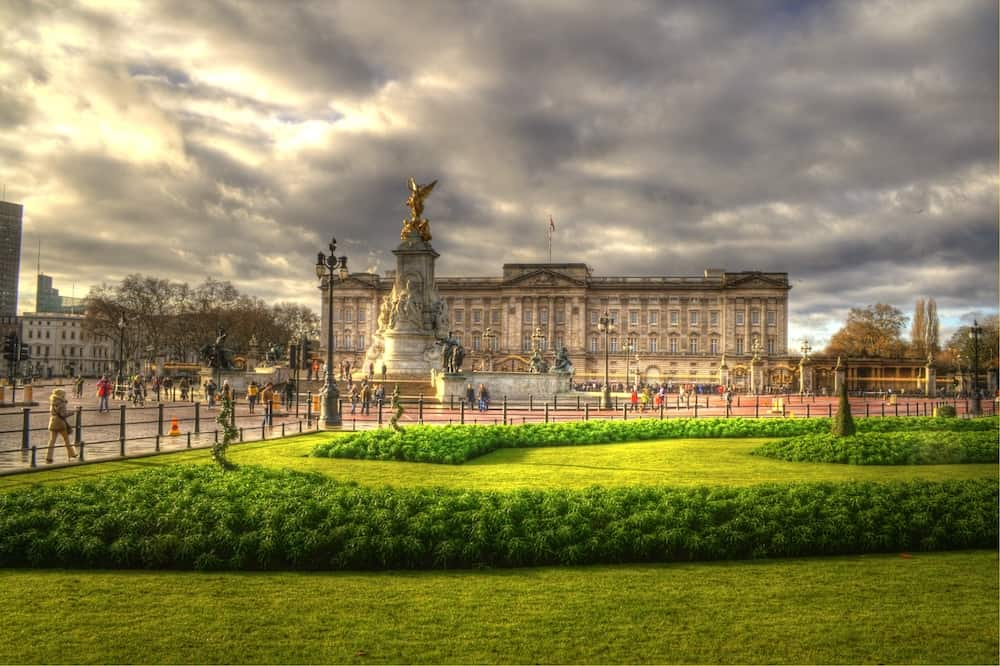 photo of Buckingham Palace in England