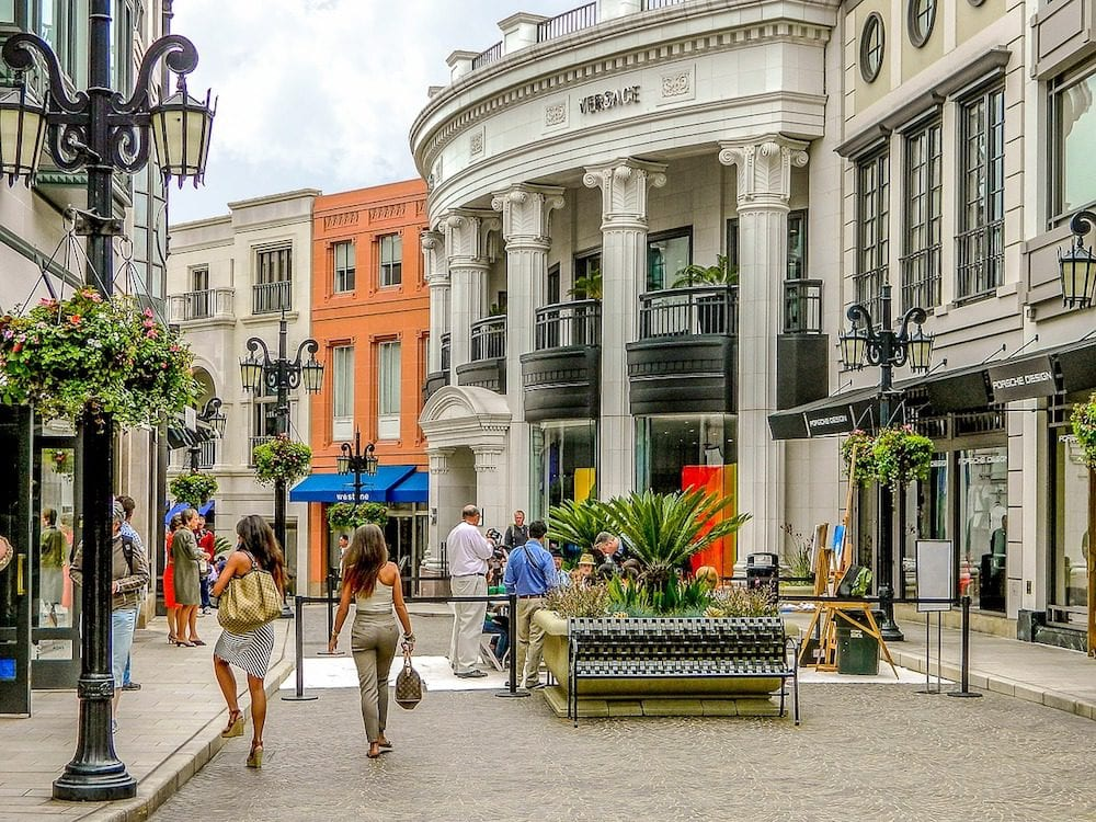 Shopping at Rodeo Drive - 8 FREE Things to Do in Los Angeles