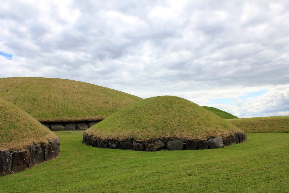 Newgrange and Knowth, old prehistoric sites in Ireland