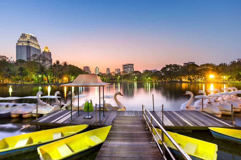 duck pedal boat in Lumphini park, where is the most popular park in Thailand