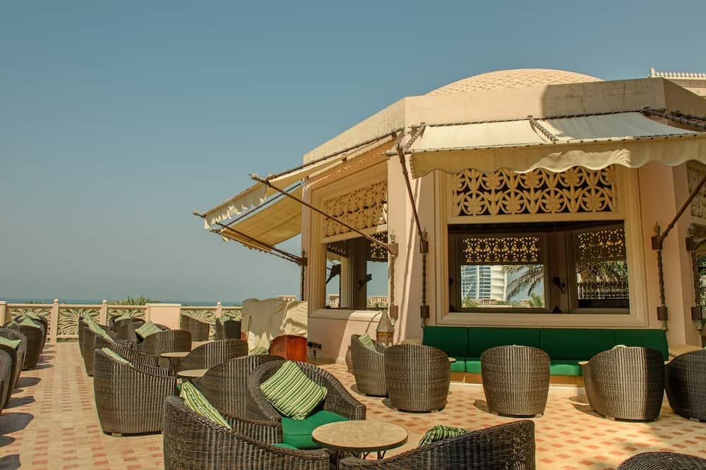 DUBAI, UAE -: A modern bar alongside the Burj al Arab in the Gulf Waters part of the Pier Chic restaurant which is on stilts