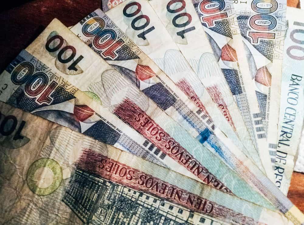 100 nuevos soles banknotes . Soles nuevos is the national currency of Peru