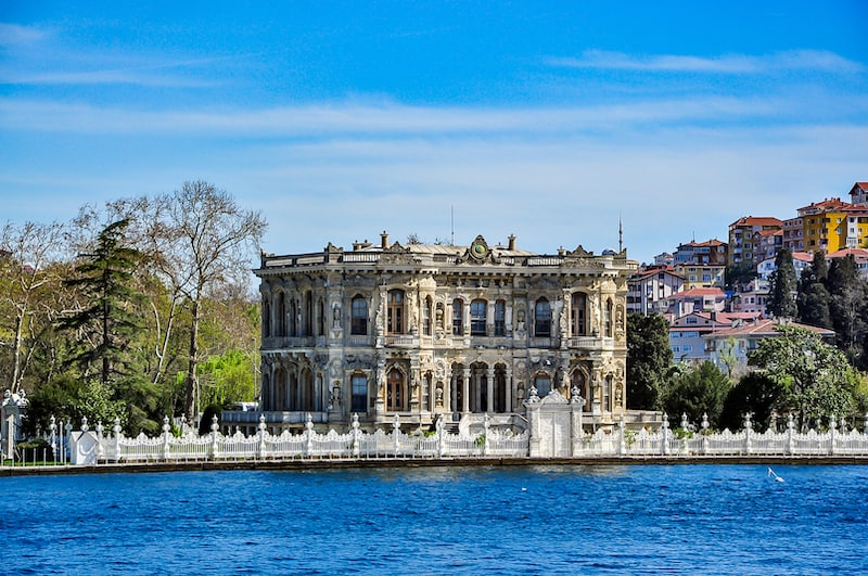 Küçüksu Palace (Kucuksu Palace) seen from Bosphorus strait, Istanbul, Turkey