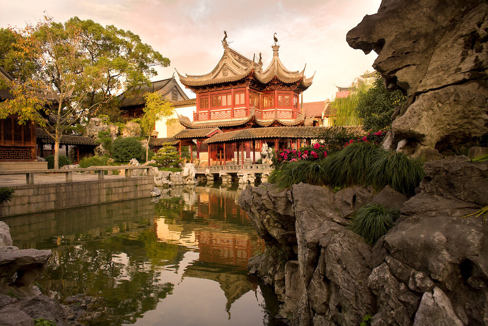 Pagoda at public gardens of Yuyuan Garden (Yu Garden), Old Town, Shanghai, China, Asia