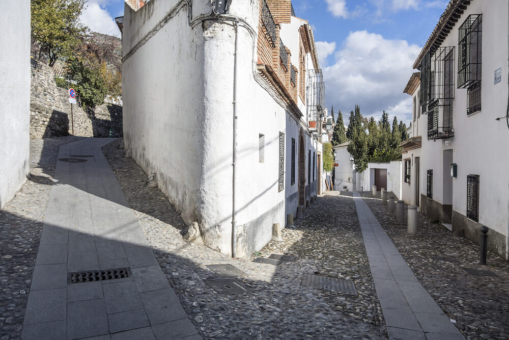 GRANADA, SPAIN- : El Albaicin, traditional neighborhood in Granada, Spain.