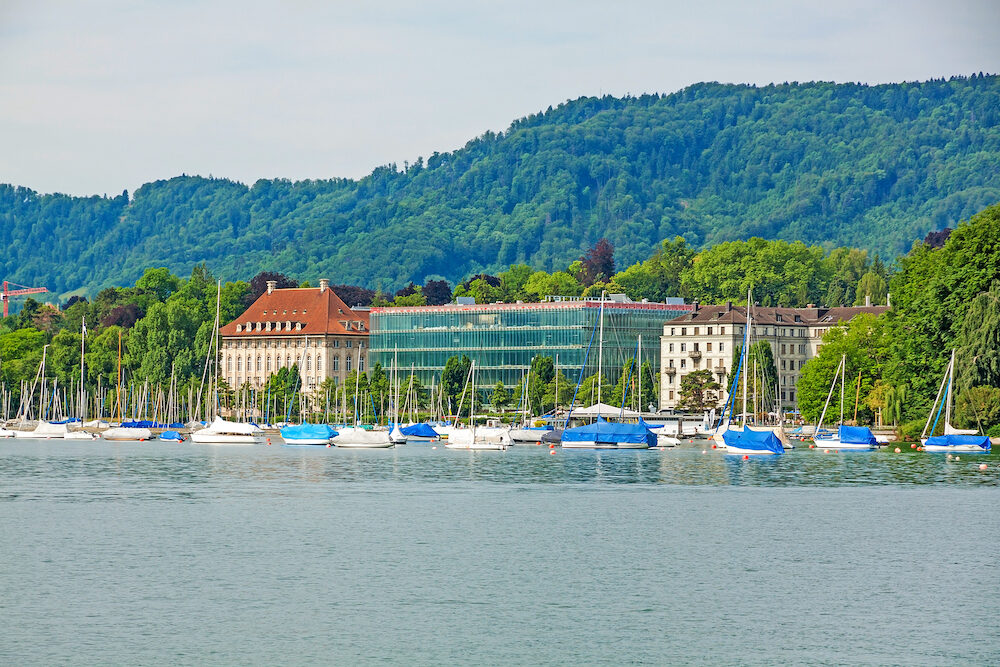 View from square Burkliplatz / Burkliterrasse towards western bank of Lake Zurich Mythenquai / Enge