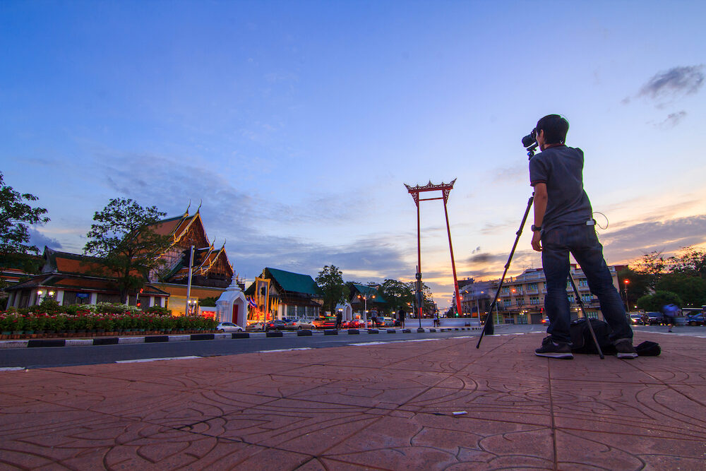 Photographer take the photo at Giant swing landmark of bangkok city / Sao Ching Cha landmark in Bangkok city