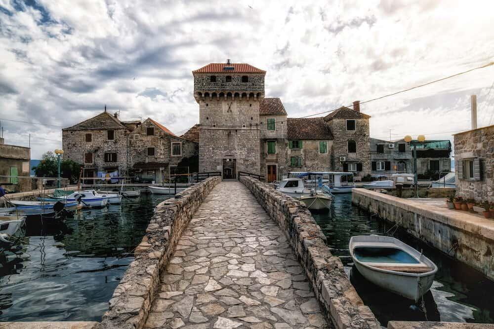 Kastel Gomilica is the filming location of TV series in Croatia. Kastel Gomilica is one of seven settlement of town Kastela in Croatia.