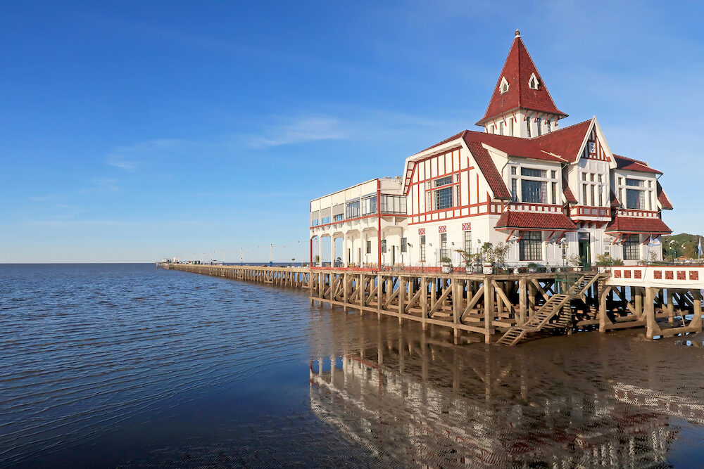 House and pier dock of the Club De Pescadores, Fishermans Club, Rio de la Plata, Buenos Aires, Argentina, South America