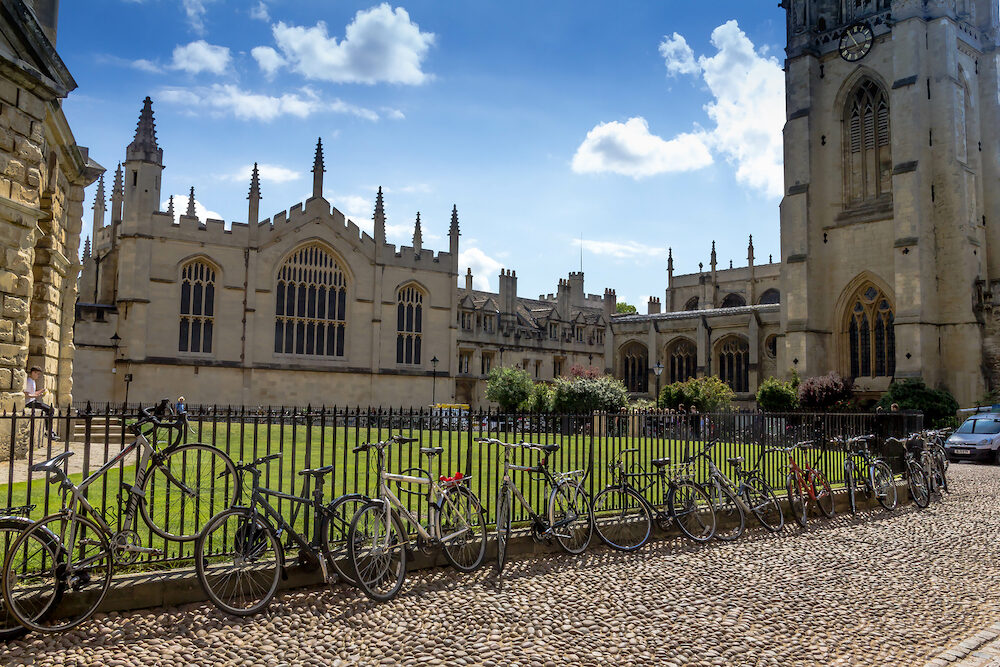 Oxford, United Kingdom- : Tourists near Bodleian Libraries is the largest university library system in the UK and include one of the oldest libraries in Europe. Oxford