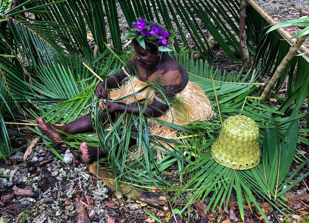 Cultural demonstrations on Rendova Island at Titiru Eco Lodge