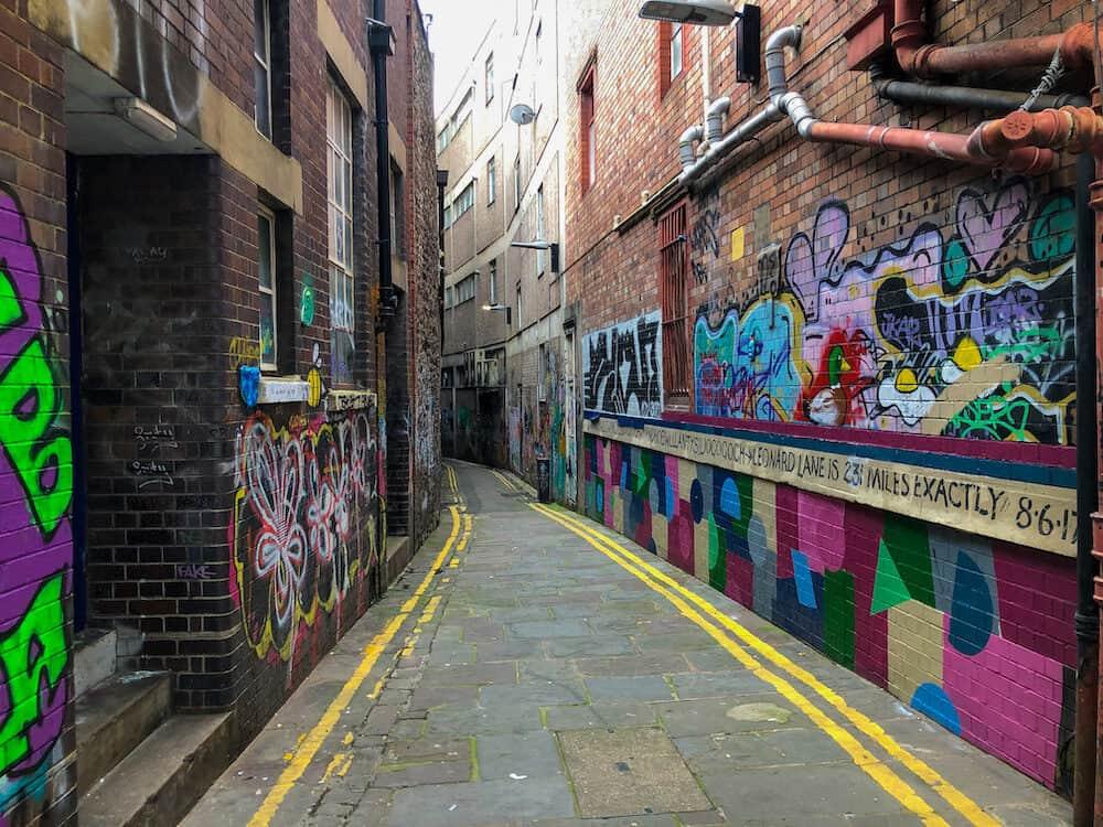 Blackbeard to Banksy walking tour