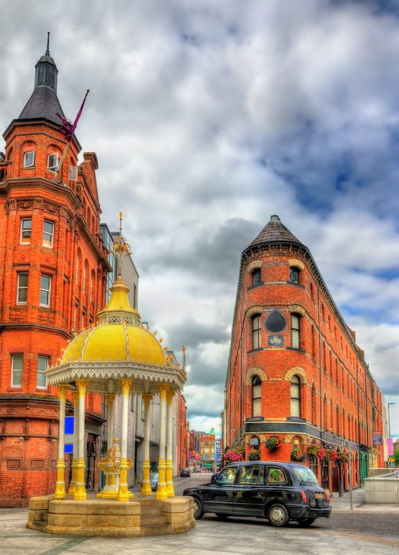 The Jaffe Memorial Fountain and Bittles Bar in Belfast - Northern Ireland