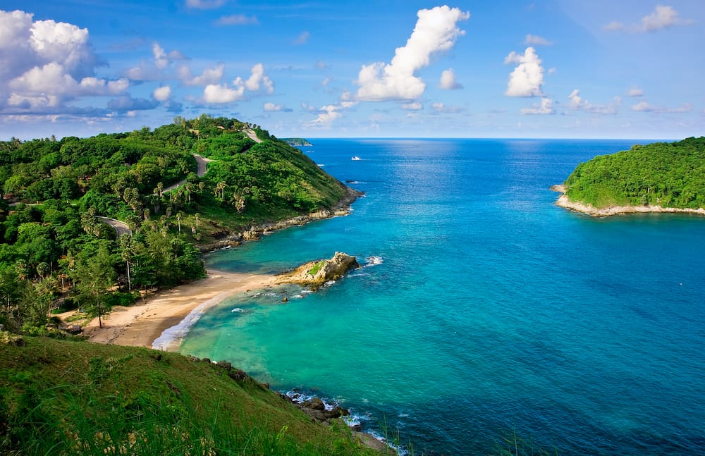 Yanui Beach is a quiet little cove located near Nai Harn Beach and Promthep Cape. It is a scenic spot and ideal place for swimming and snorkeling.