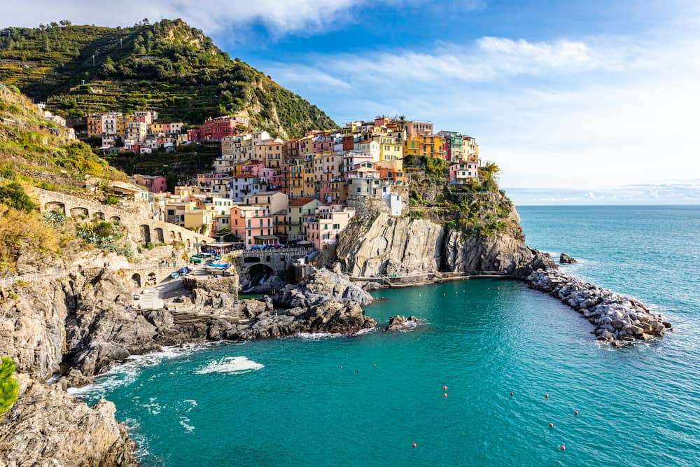 Manarola, one of famous small coastal cliff towns and fishing villages in Cinque Terre national park on Italian Riviera, Mediterranean Sea near Genoa. Province of La Spezia, Liguria, northern Italy.