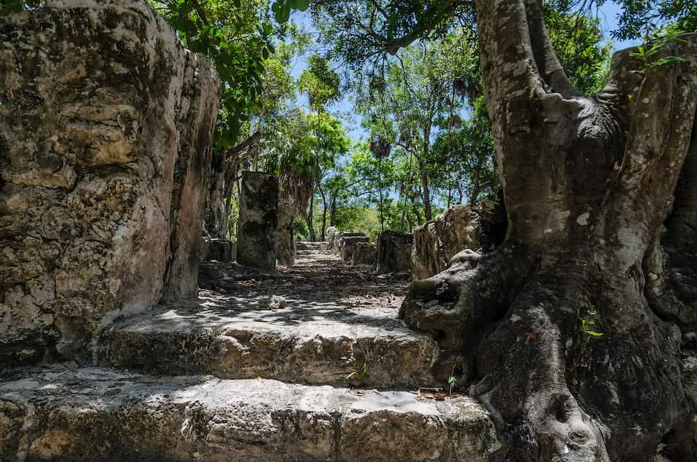 El Meco mayan ancient city, located in Cancún, Quintana Roo, México