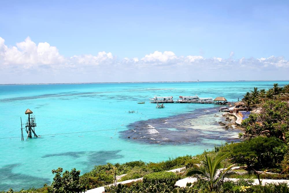 isla mujeres off the yucatan coastin mexico ** Note: Slight blurriness, best at smaller sizes